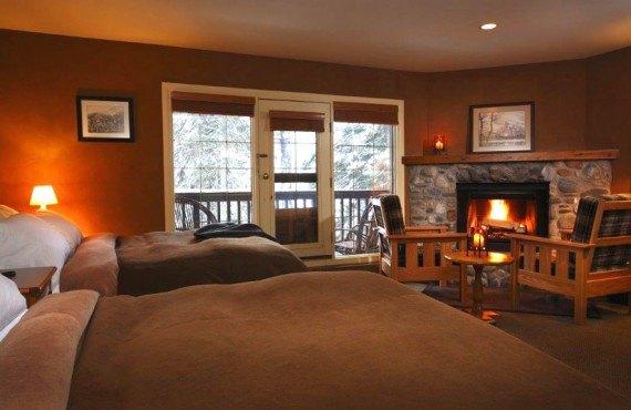 Pourvoirie Emerald Lake - Chambre 2 lits, patio privé
