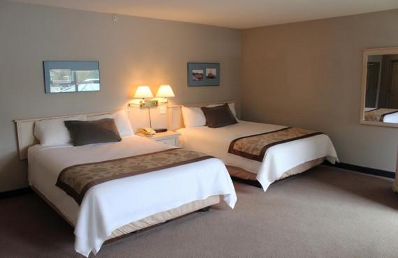 Quaterdeck Inn - Chambre 2 lits