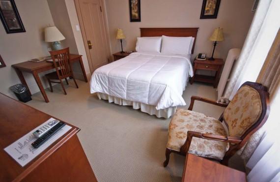 Sonata Inn - Chambre traditionnelle lit Queen