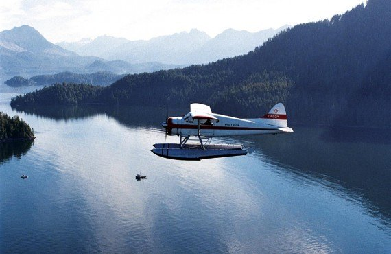 Floatplane sightseeing tour