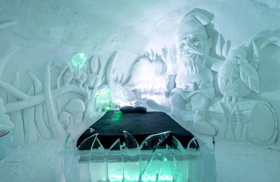 Suite thématique; les sculptures de glace