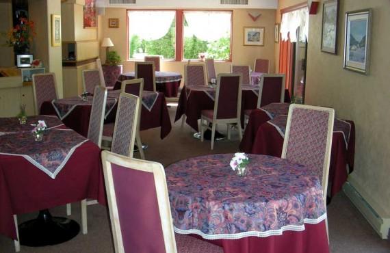 5-aub-du-jardin-salle-manger