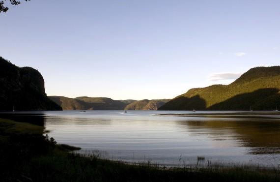 Bateau mouche sur le Fjord