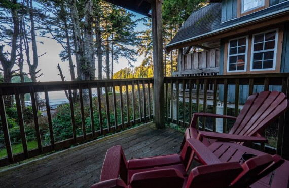 5-cabins-terrace-beach.jpg
