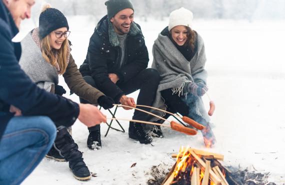 Repas sur feu de bois