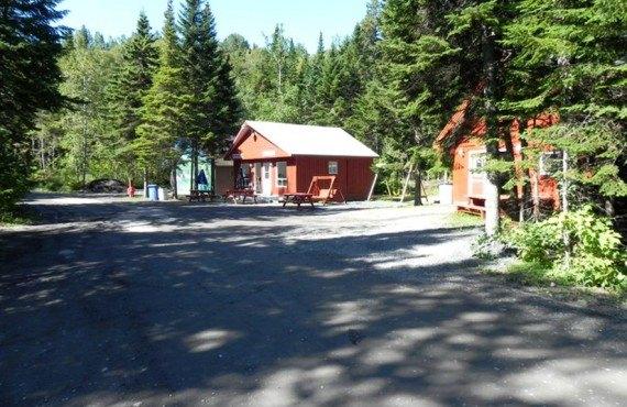 Camping de la Rivière Matane - Buanderie et salle communautaire