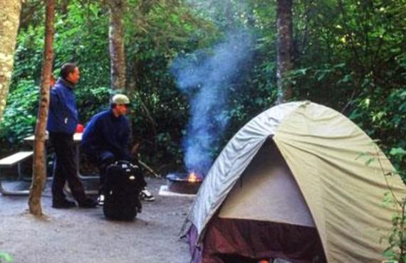 5-camping-riverside
