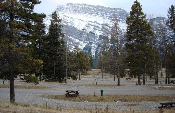 Camping Tunnel Mountain - Vue sur le Mont Cascade
