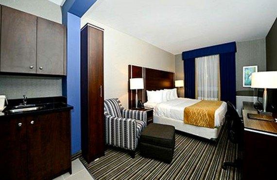 Comfort Inn Toronto - Suite