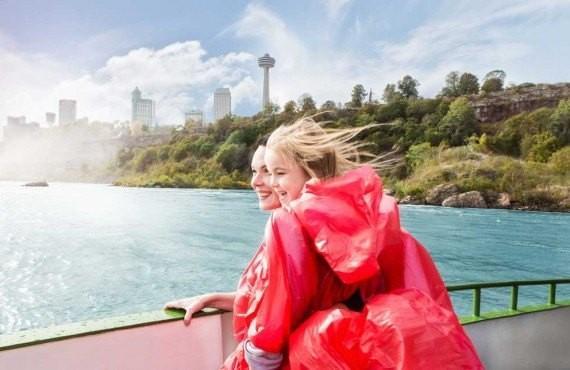 Croisiere au pied des chutes Niagara