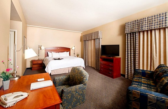 5-hampton-inn-north-conway-suite