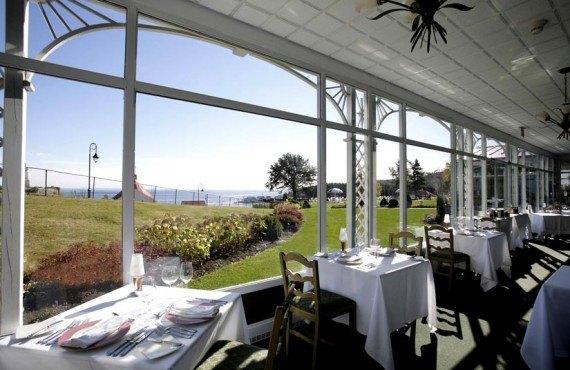5-hotel-tadoussac-restaurant