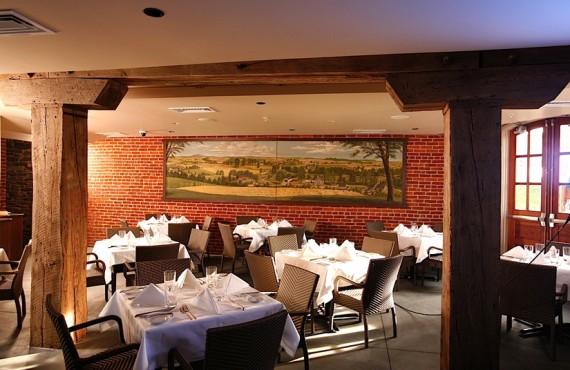 5-lancaster-arts-hotel-restaurant