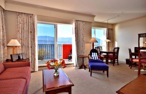 5-manteo-resort-spa-kelowna-suite