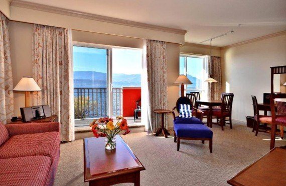 5-manteo-resort-spa-kelowna-suite