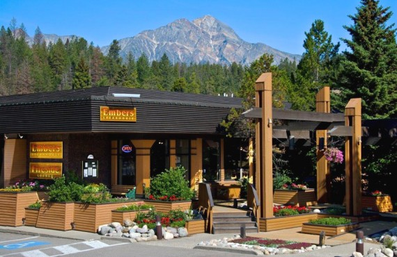 Marmot Lodge - Embers Steakhouse