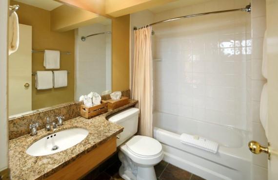 Pourvoirie Emerald Lake - Salle de bain
