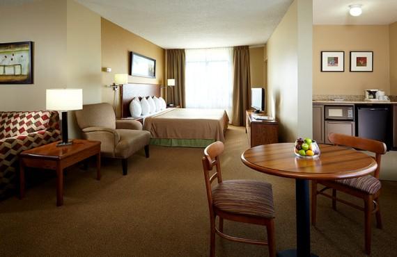Quality Inn & Suites Aeroport - Suite