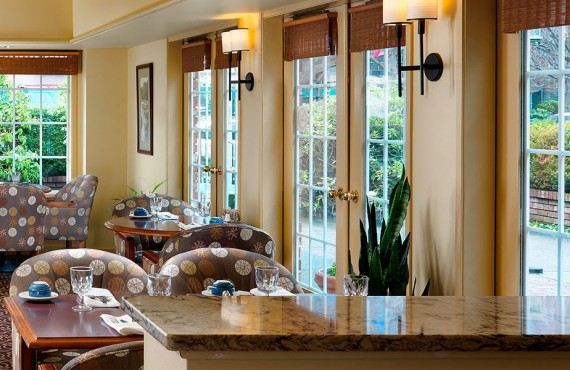 5-royal-scott-hotel-suites-resto
