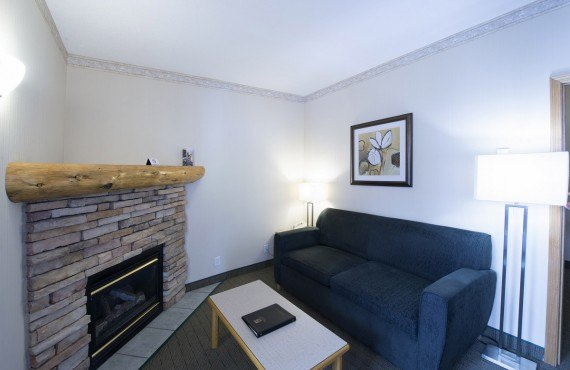 5-watertown-glacier-suites