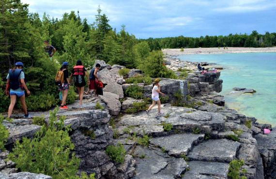 Bruce Trail dans le parc de la Péninsule-Bruce