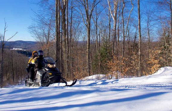 Motoneige en montagne