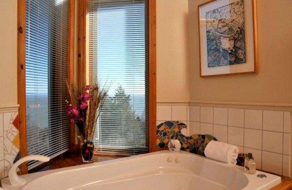 Auberge Cap aux Corbeaux - salle de bain