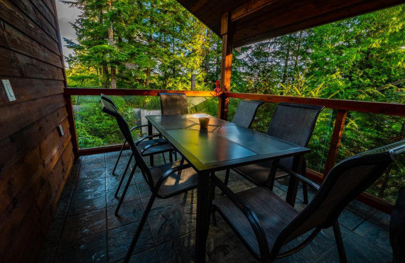 6-cabins-terrace-beach.jpg