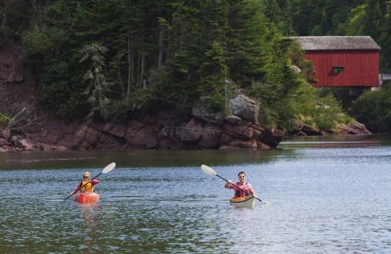 6-camping-parc-fundy-kayak.jpg