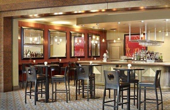 Clarion Inn Calgary Airport - Bar