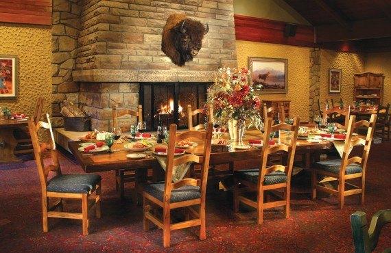 Fairmont Jasper Park Lodge - Restaurant The Moose's Nook