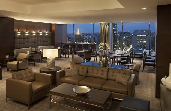 6-hilton-toronto-lounge