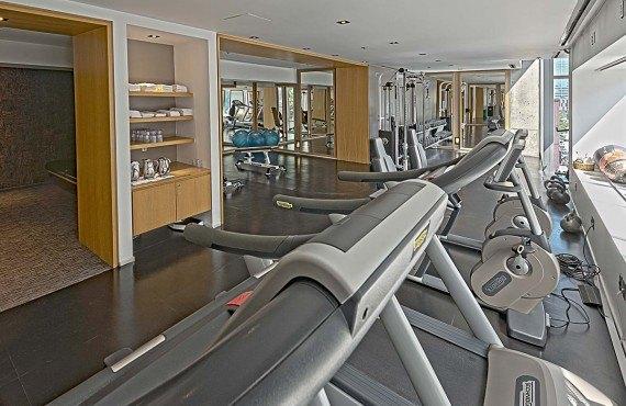 6-hotel-10-gym