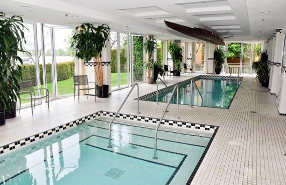 6-hotel-eldorado-Kelowna-piscine