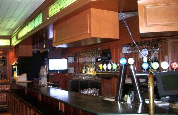 Lake Louise Inn - Explorers Lounge