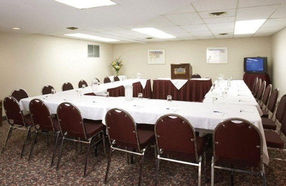 Quality Inn & Suites Aeroport - Salle de réunion