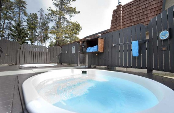 Hot tubs: 2 outdoors and 1 indoor
