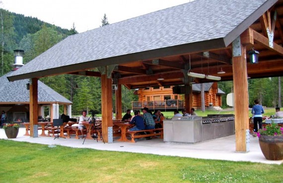 7-alpine-meadow-resort-repas-plein-air