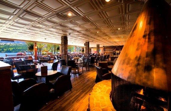 Waterton Glacier Suites - Bar