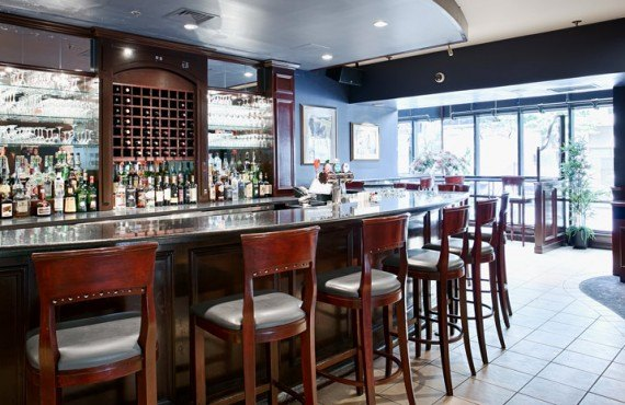 7-bw-ville-marie-bar
