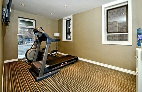 Comfort Inn Toronto - Gym