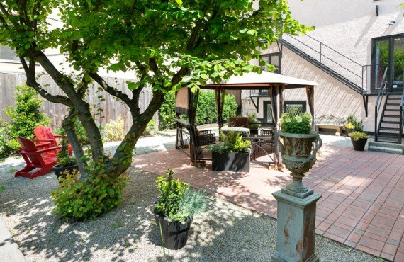 7-english-bay-inn-jardin