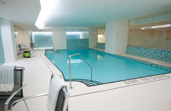 7-holman-grand-hotel-piscine