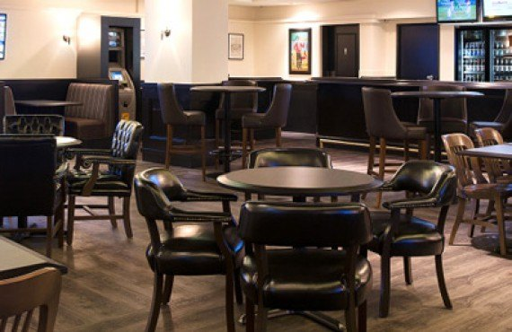 Ramada Calgary - The Fox Bar Restaurant