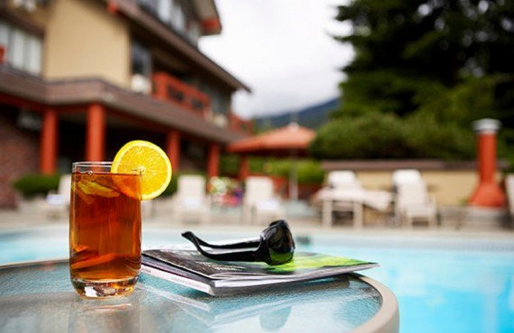 Whistler Village Inn - Piscine extérieure