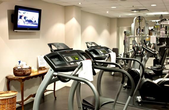 8-chateau-laurier-gym