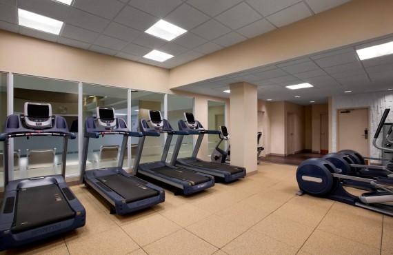 8-doubletree-toronto-gym