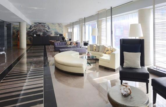Lobby de l'Hôtel 10