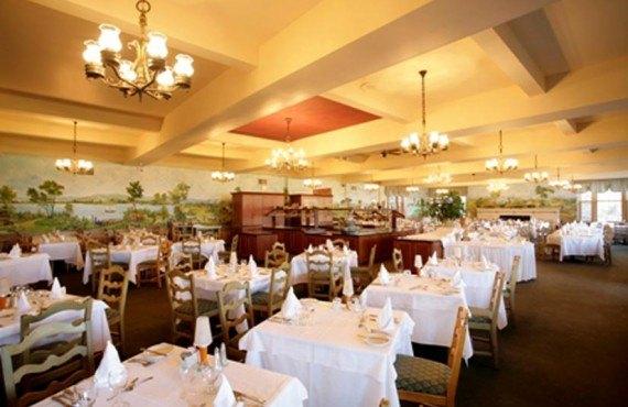8-hotel-tadoussac-restaurant-le-coverdale