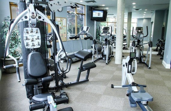 8-manteo-resort-spa-kelowna-gym